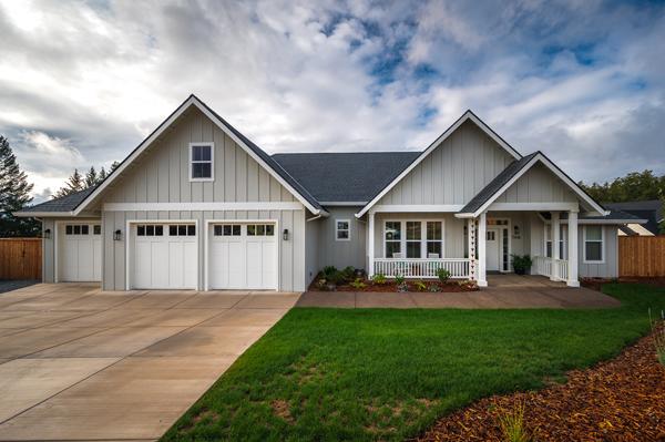 Riverdell Construction Modern Farmhouse (2)