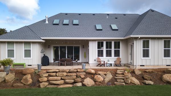 Riverdell Construction Modern Farmhouse backyard (22)