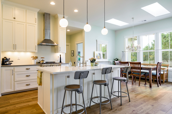 Riverdell Construction modern farmhouse kitchen (1)