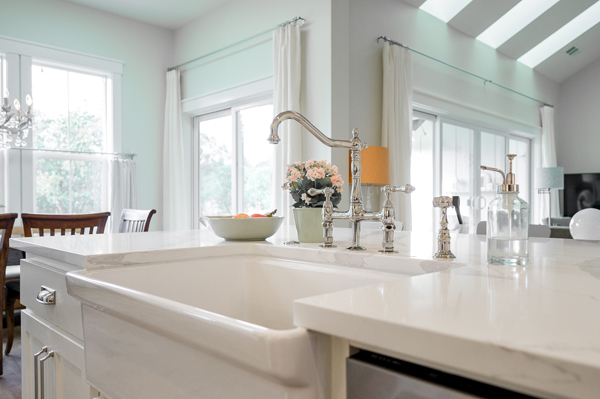 Riverdell Construction modern farmhouse kitchen (2)